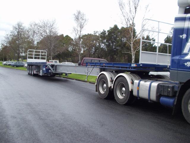 Extendable truck